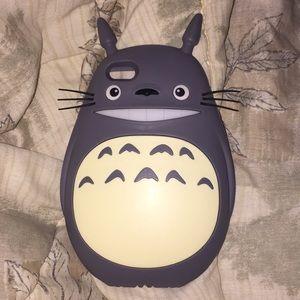 Totoro iPhone 6 Plus case.